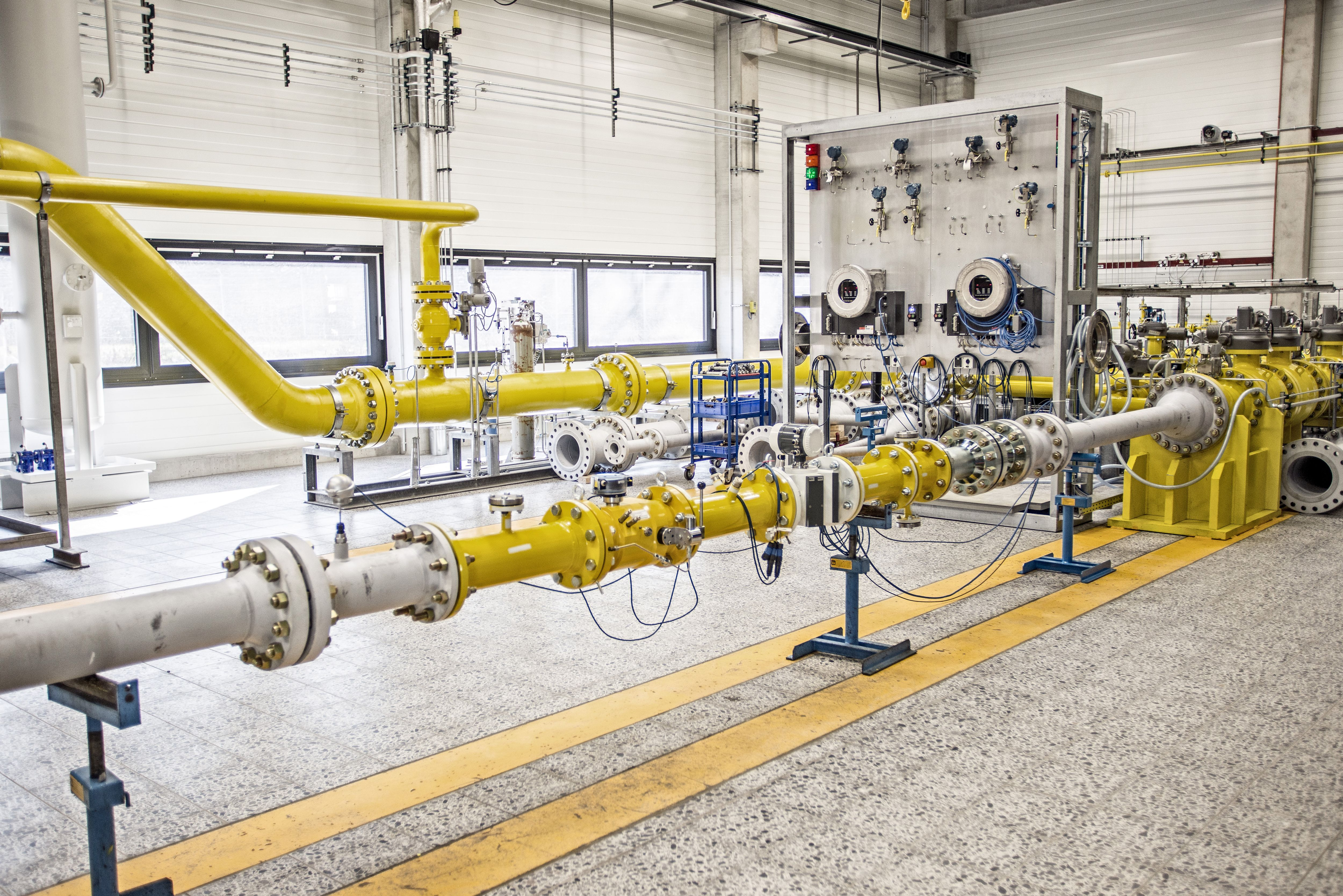 Photo 1: EnBW High Pressure Gas Calibration Facility in Stuttgart
