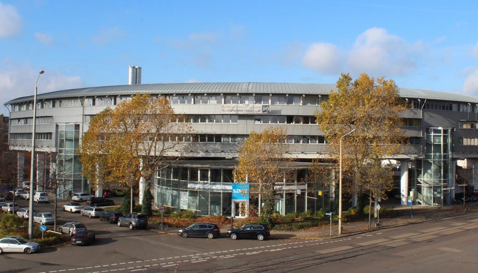 EnBW übernimmt SENEC-Hersteller DEV und baut Kompetenzen im