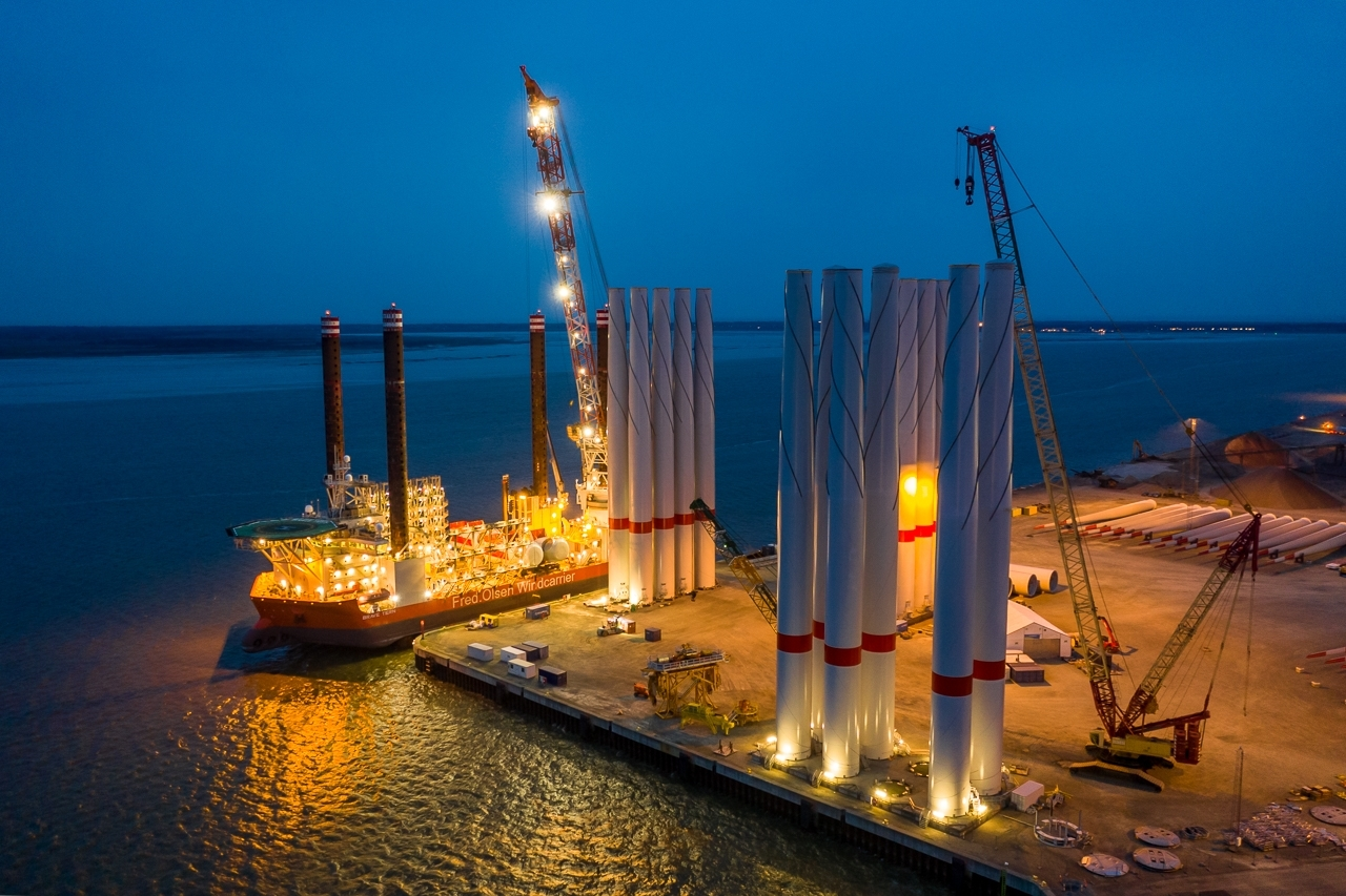 The installation vessel <u0022>Brave Tern<u0022> in the port of Esbjerg in Denmark before loading wind turbines for <u0022>EnBW Hohe See<u0022>.