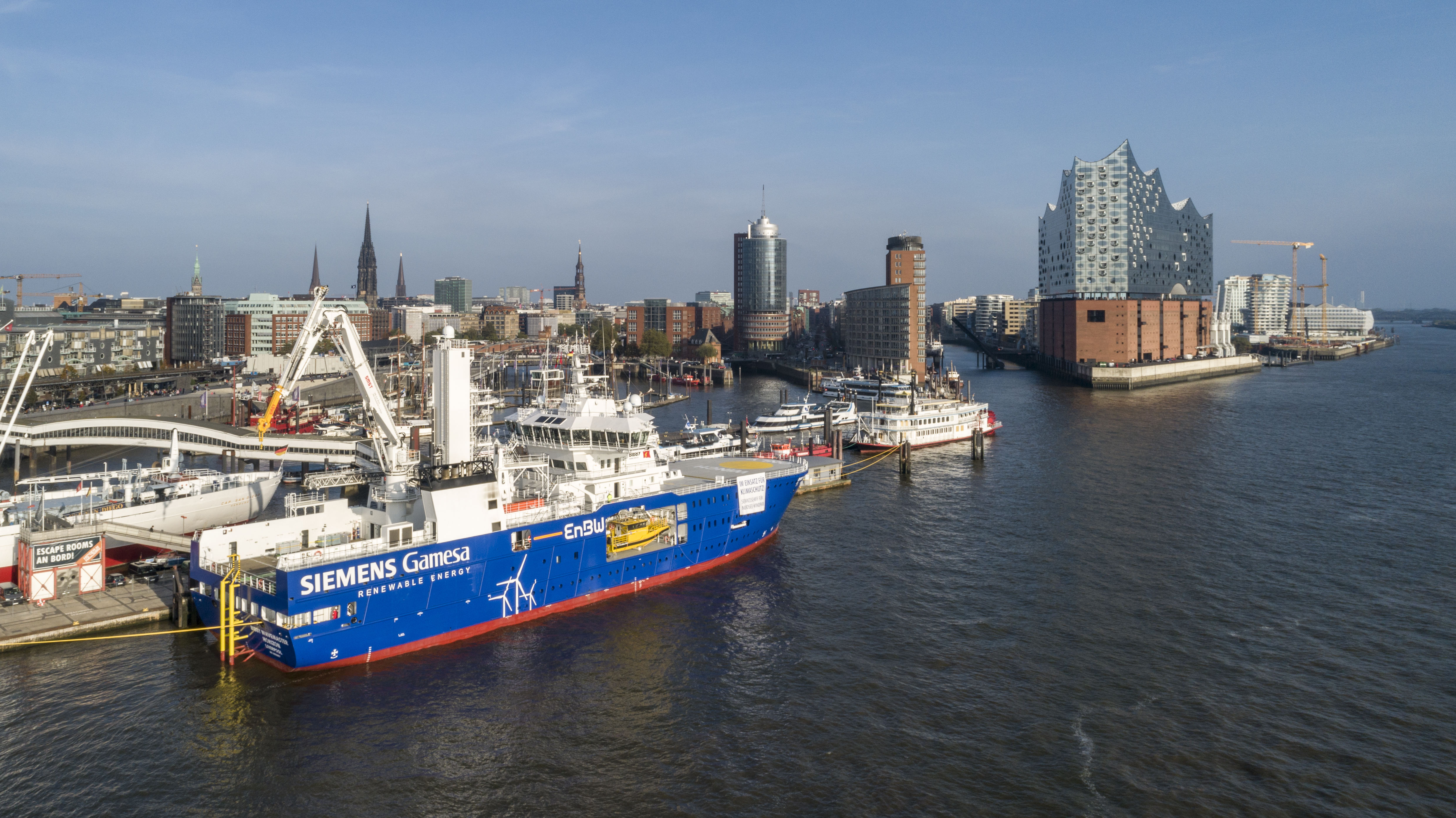 Photo 2: Siemens Gamesa and EnBW are putting the Bibby Wavemaster Horizon into operation in the Port of Hamburg. (Photo: EnBW)
