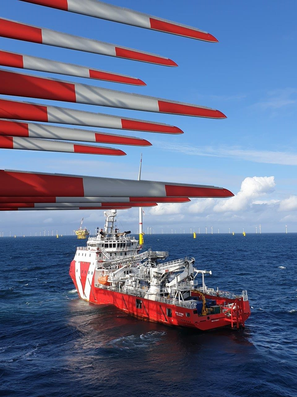 "View from the installation vessel <u0022>Blue Tern"" (Photo: ENBW / ERSG, Chris Akehurst)"